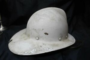 Vintage-MSA-Phenolic-Fire-Department-Fireman-039-s-Fire-Fighters-Helmet