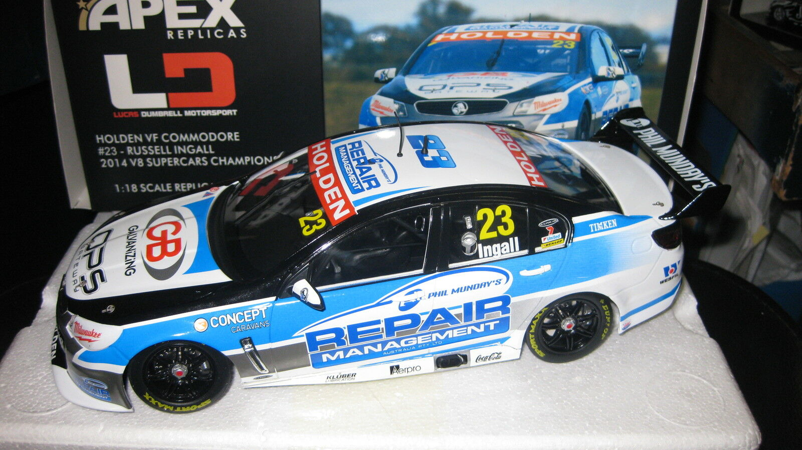 1/18 APEX HOLDEN VF COMMODORE  #23 2014 RUSSELL INGALL  V8 SUPERCAR SEASON CAR