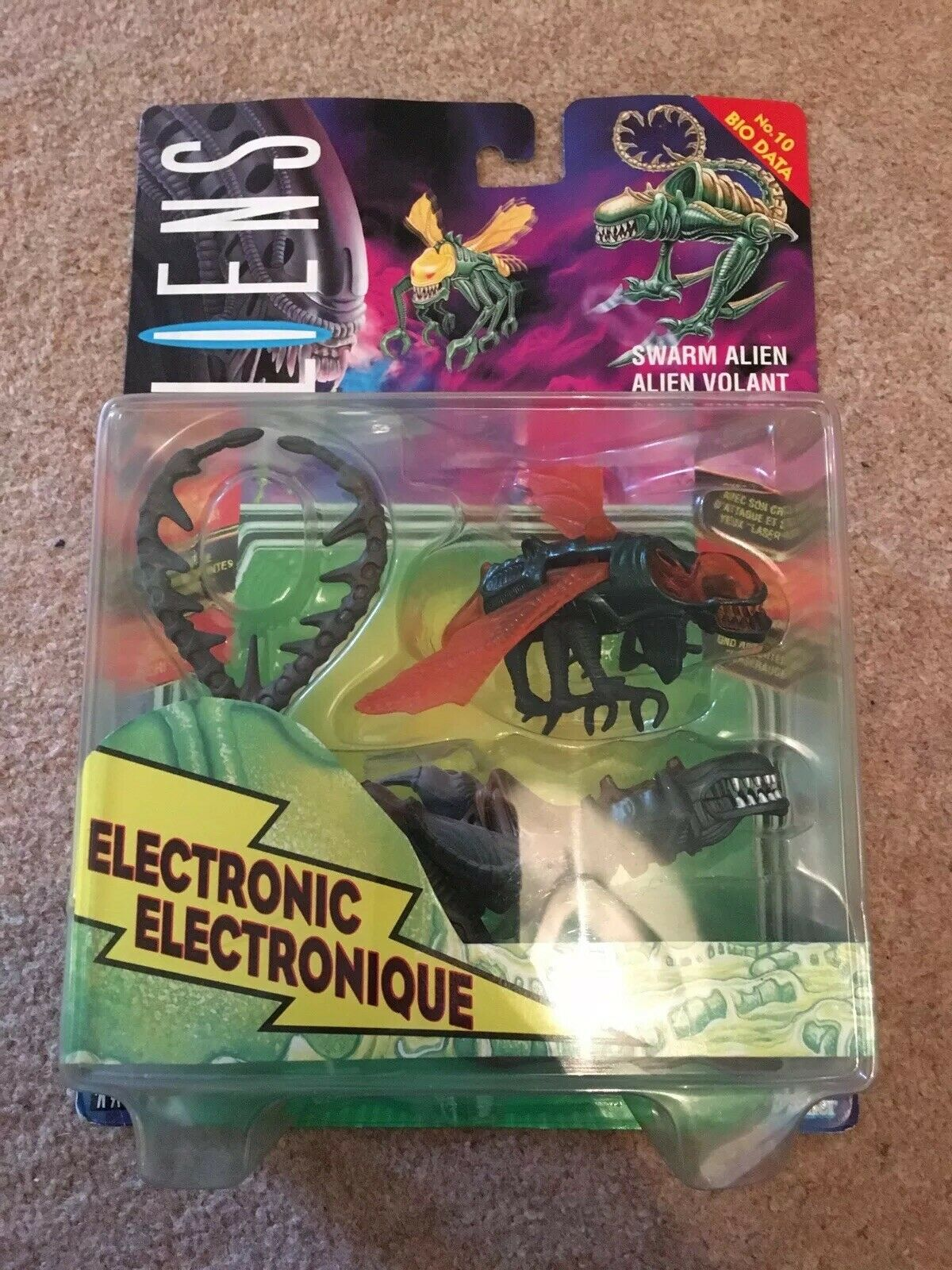 Aliens Electronic Swarm Alien Figure 1994 Kenner French European No.10 Bio Data