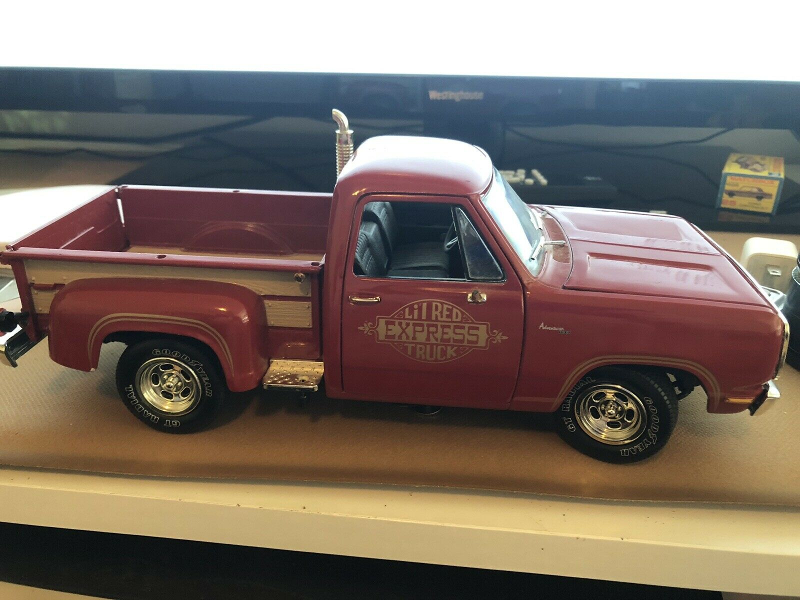 American Muscle Ertl 78 Dodge Little Red Express Used