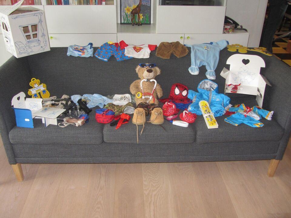 Build-a-bear, Tøj og udstyr