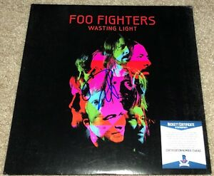 Dave Grohl Signed Foo Fighters Vinyl Album Wasting Light