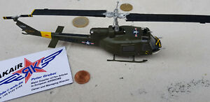 Bell-uh-1-D-HUEY-Vietnam-US-ARMY-metal-Modele-1-72-yakair-Aircraft