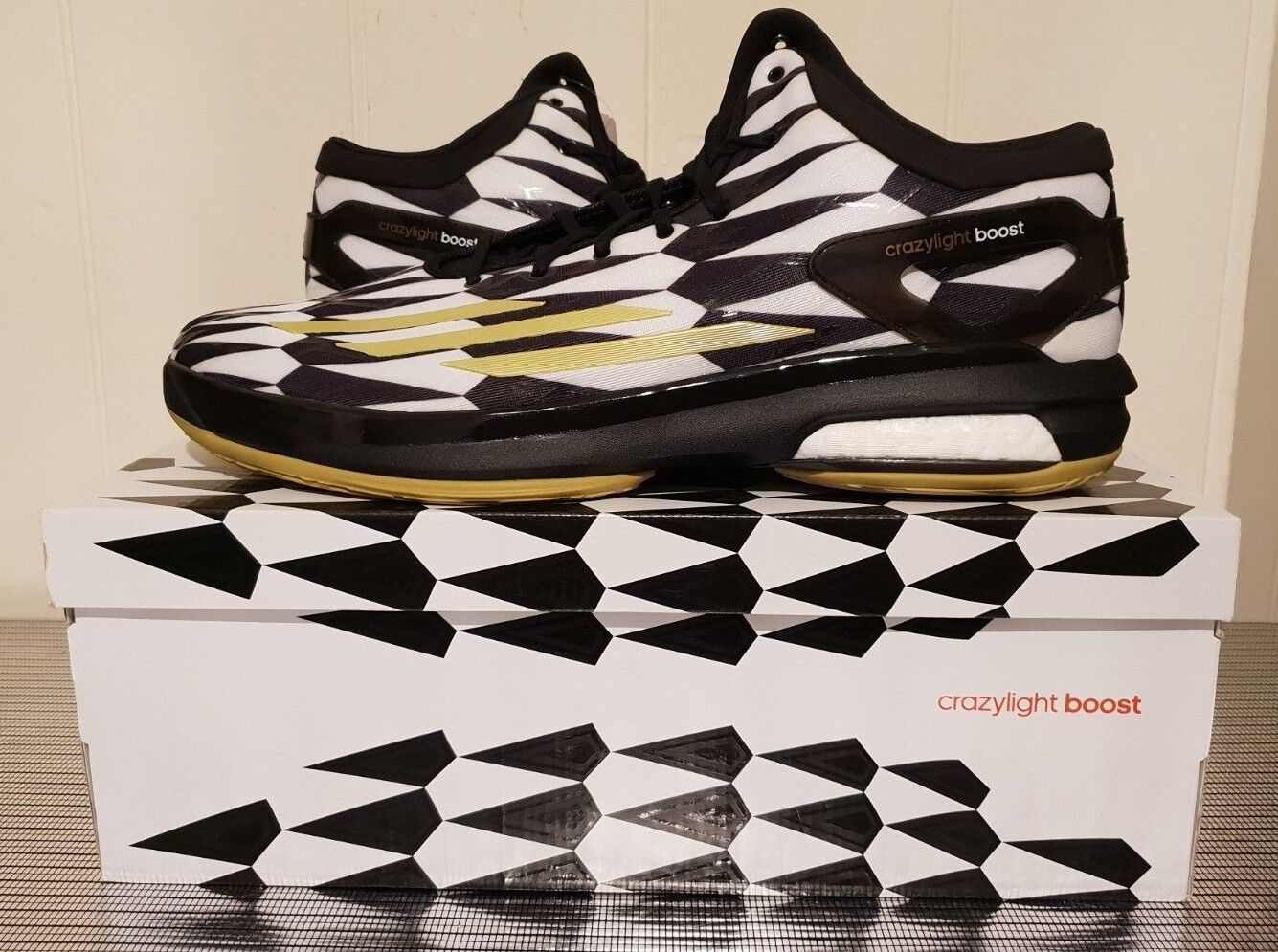Adidas Crazy Light Boost Black And White Basketball Mens UK Size 18 NEW IN BOX