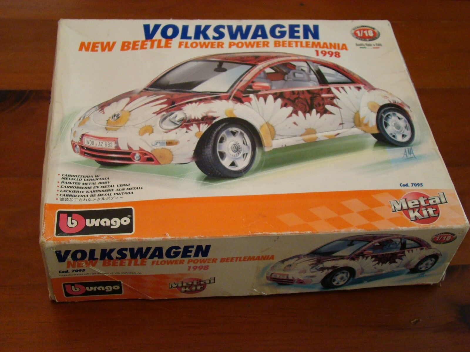 1 18 Volkswagen Beetle 1998 Flower Power Beetlemania V Dub Special Metal KIT