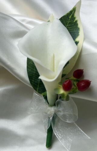 Noël mariée Brides Posy Bouquet Ivoire Calla Lily et baies rouges hiver Mariage