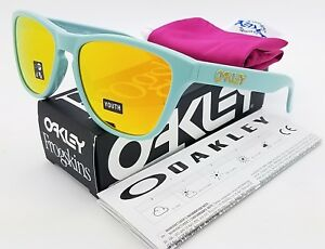 2163c5ae040e4 NEW Oakley Frogskins XS sunglasses Arctic Surf Fire 9006-0653 kids ...