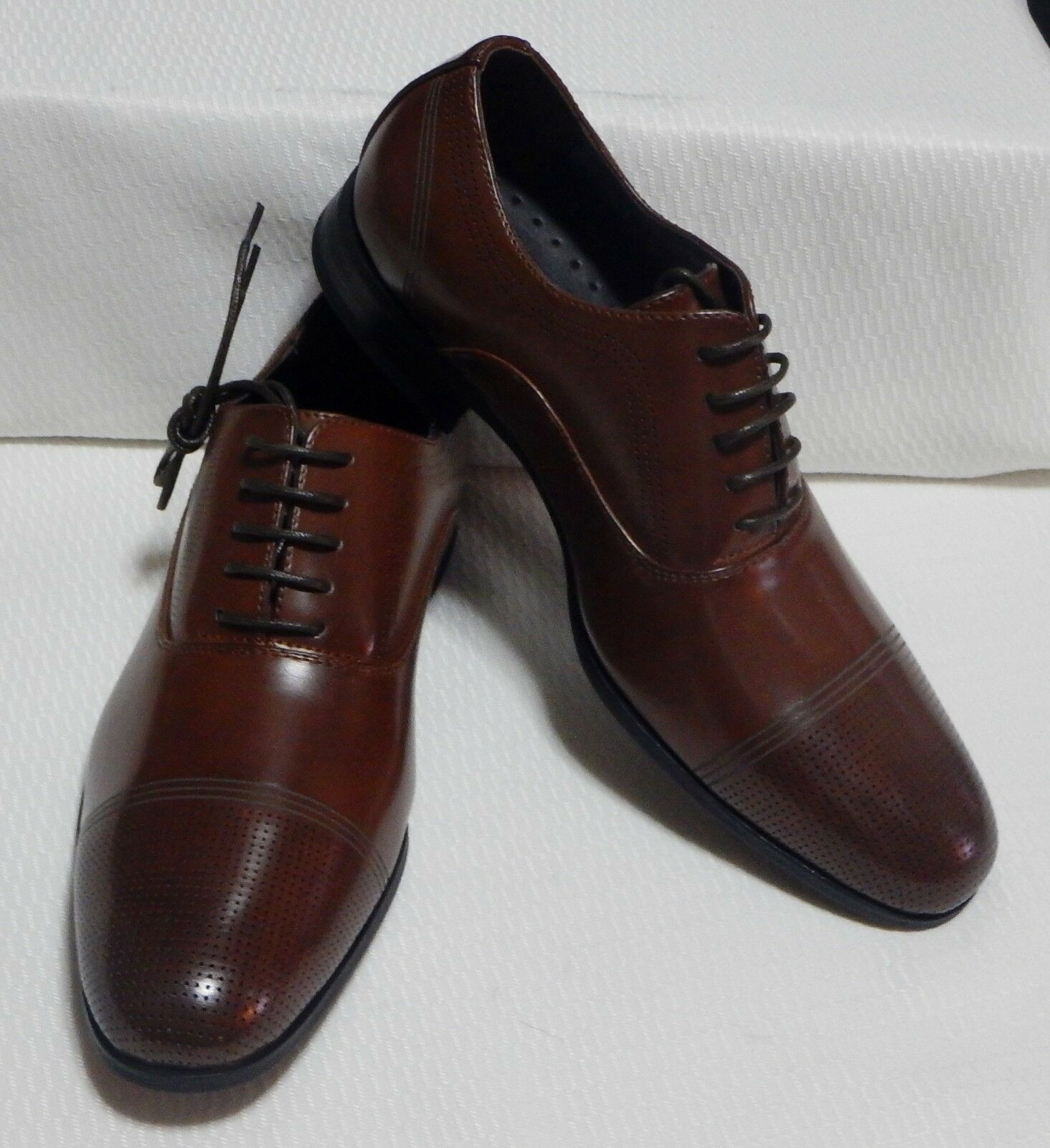 KENNETH COLE CAP TOE OXFORD( COGNAC ) NEW WITH  BOX SIZE 7.5 M  WITH # 0231 46ef33