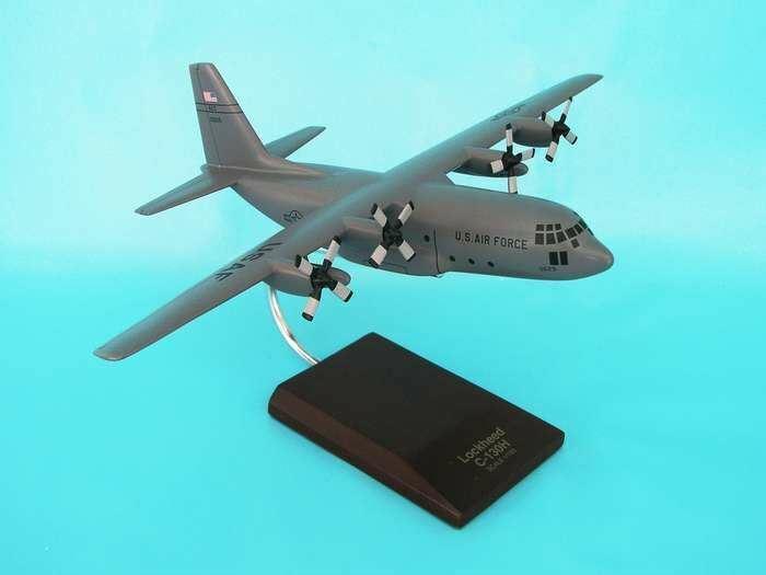 B2010C32W Executive Desktop C -130H Hercules grå 1 100 modellllerlerl Airplan