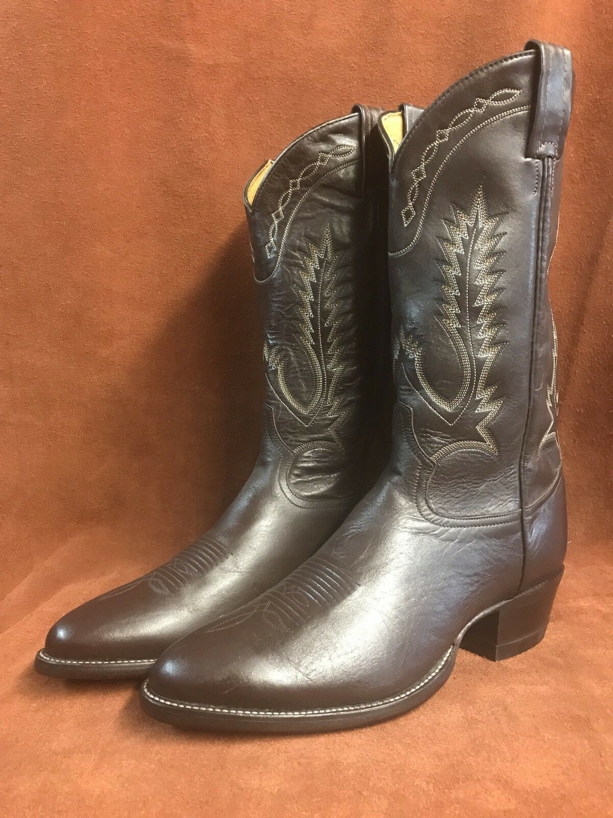 Vintage Tony Lama New Marroneee Leather stivali 9.5 D Made in El Paso, Texas  69.00
