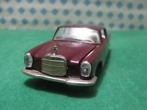 Vintage-MERCEDES-BENZ-250-Coupe-1-43-Auto-Pilen-n-305