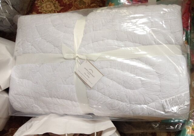 Pottery Barn Ruched Paisley Quilt White King 2 King Shams Comforter New