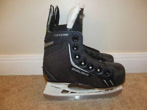 Size 10R Bauer Supreme Pro Hockey