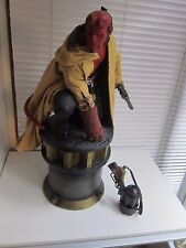 Sideshow Hot Premium Format Hellboy Exclusive Statue Toys