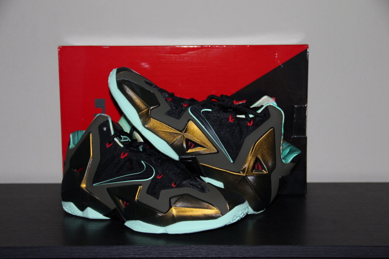 2013 Nike LEBRON XI 11 KING'S PRIDE PARACHUTE GOLD LODEN BLACK 10.5 (616175-700)