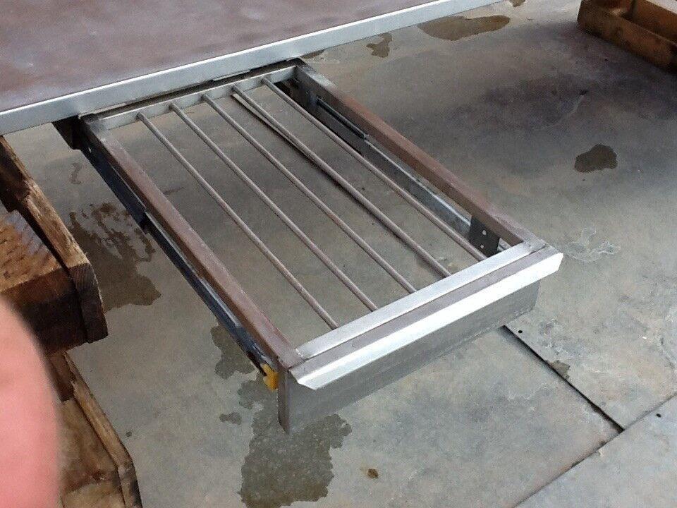 Køkkenbord rustfri med ristskuffe L 2755 mm