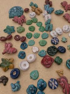 lot de divers broches anciennes en céramique émaillée des années  50