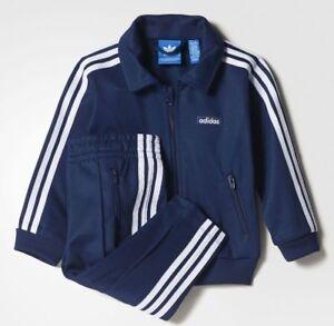 Bien éDuqué Adidas Nourrisson Classique Beckenbauer Survêtement Bébé Enfants Set Bq0651 Bleu Marine-afficher Le Titre D'origine