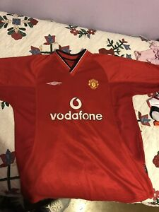 e97784ec4 Image is loading Manchester-United-Soccer-Vodafone-Umbro-Jersey-Red-Home-