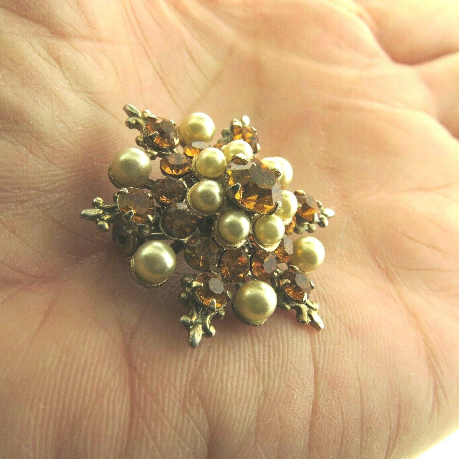 Vintage Crystal Rhinestone Pearl Star Brooch Pin … - image 2