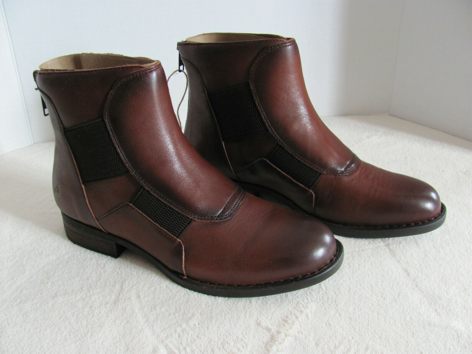 Born Reid Leather Ankle Boots-Brown Cognac-Back Zipper-Stacked Heel-Size 7.5 M