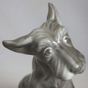 Vintage-6-034-Grey-SCHNAUZER-DOG-FIGURINE-Hand-Painted-Excellent