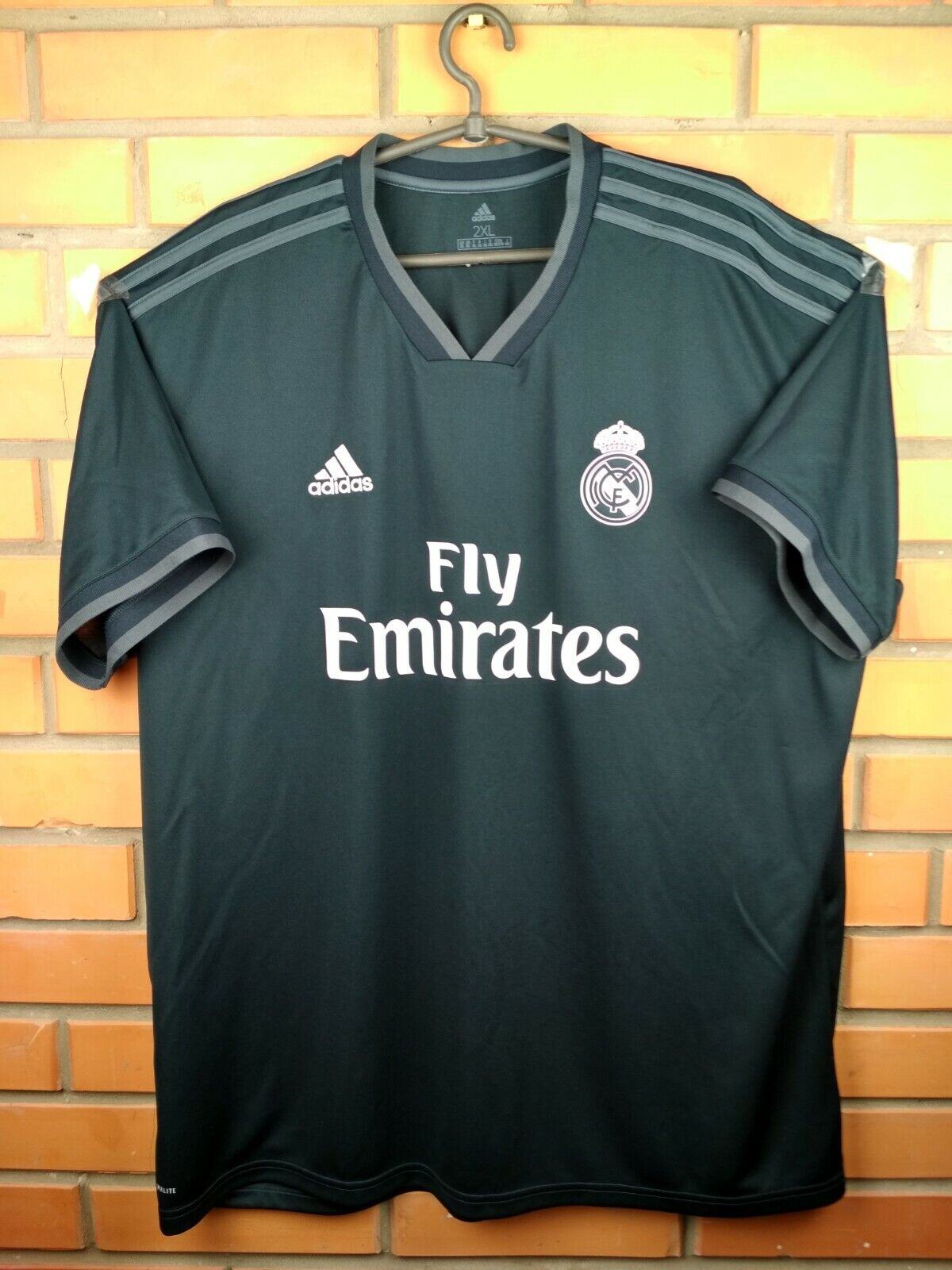 a676f986180 Real Madrid jersey 2XL 2018 2019 third shirt CG0584 soccer football Adidas