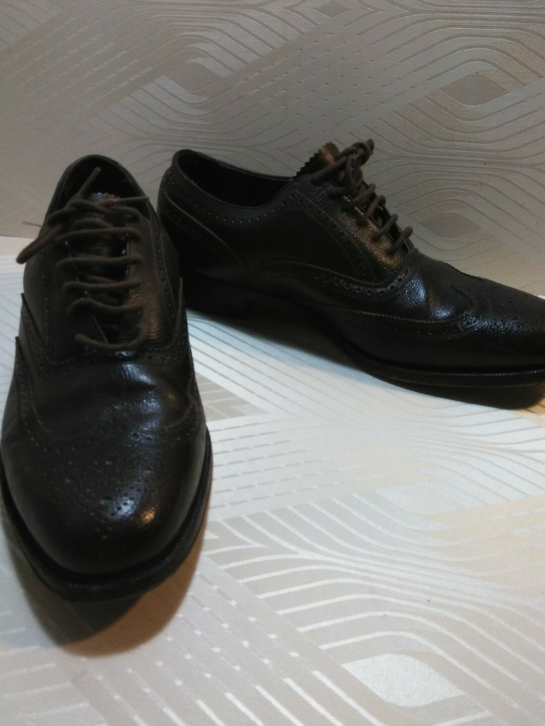 Florsheim Imperial Brown leather Size 10.5 shoes