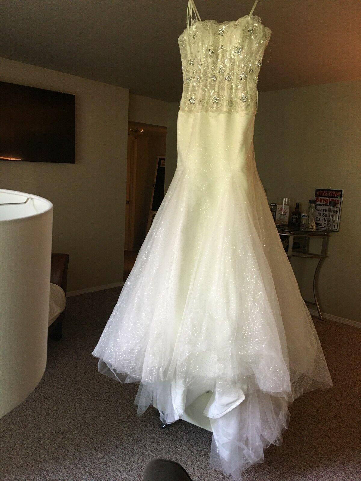 Beautiful White Wedding Dress sz 4