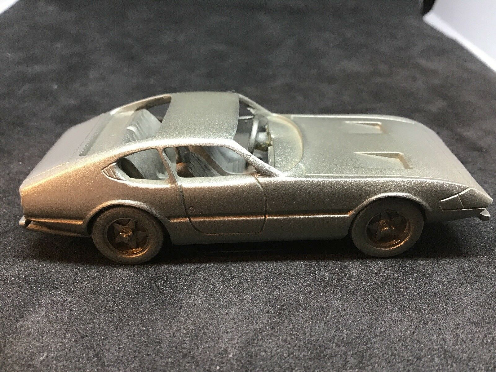 Superb Danbury Mint Mint Mint 'Ferrari-Daytona 1968' Pewter Car 7.6cm Length.      (02038) 41d5b6