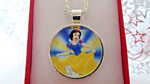 SNOW WHITE PRINCESS PENDANT NECKLACE STRONG 16 INCH GIFT BOX BIRTHDAY PARTY