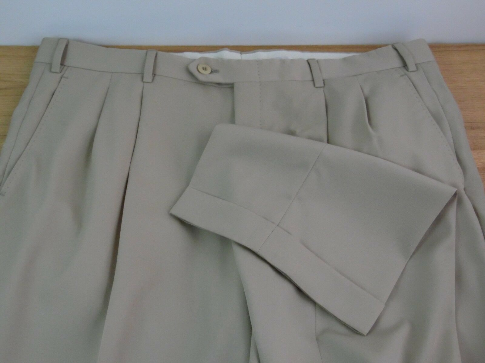 MENS BRIONI DRESS PANTS SIZE 39 X 29 100% WOOL MADE IN ITALY KHAKI SOLID