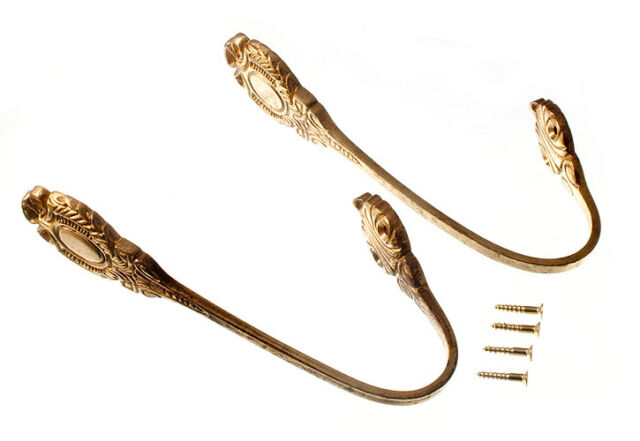 A PAIR OF LEAF STYLE CURTAIN HOLDBACKS TIE BACK SOLID BRASS + FIXING SCREWS