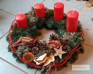 adventskranz frisch natur adventskr nze weihnachtliche deko rot wolle kranz ebay. Black Bedroom Furniture Sets. Home Design Ideas
