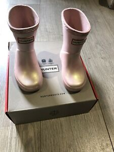 Hunter Wellies Iridescent pink Child Size 4 With Box Worn Handful Of Times £40