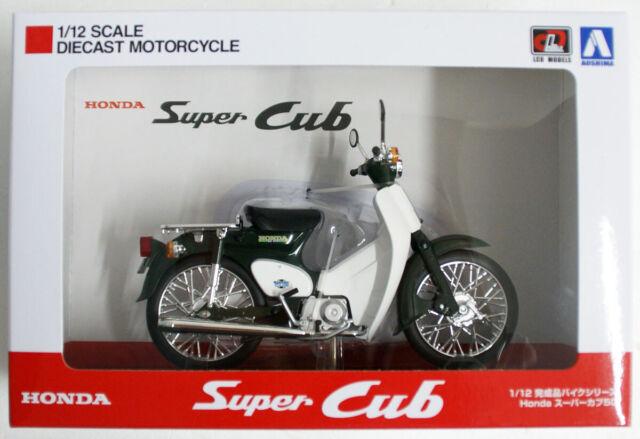 Aoshima Skynet 05658 Honda Super Cub 50 Green 1/12 Scale Finished Model