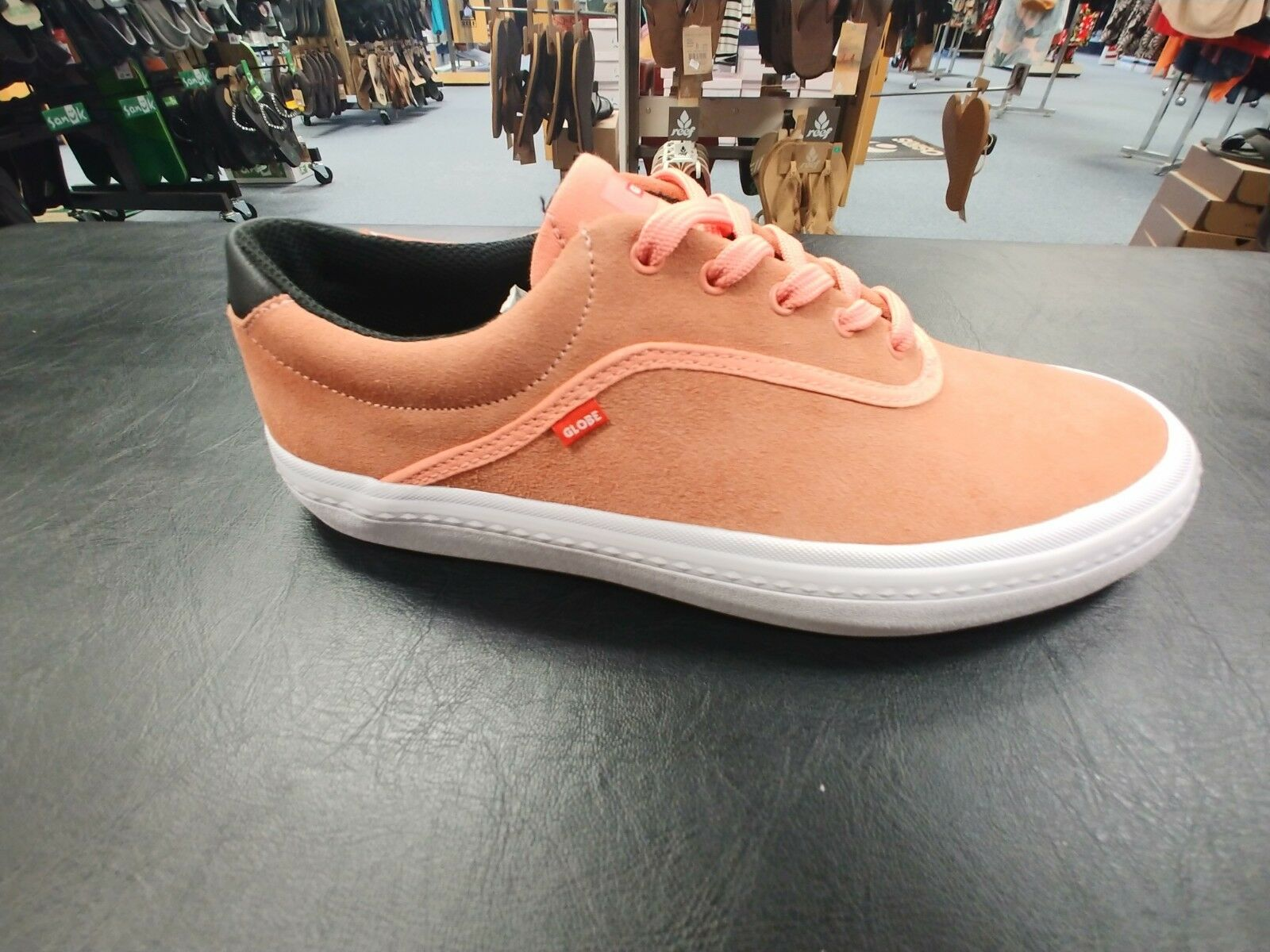 Men's Globe Sprout 10.5 Skateboard Shoe Guava size 10.5 Sprout 2419ef