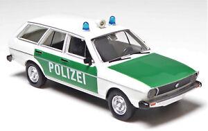H0-BREKINA-Personenkraftwagen-VW-Passat-Kombi-Variant-Polizei-Blaulicht-25606