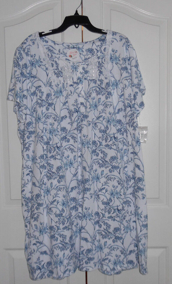 Croft and Barrow Cotton Blend Short Sleeve White bluee Flower Nightgown 3X NWT