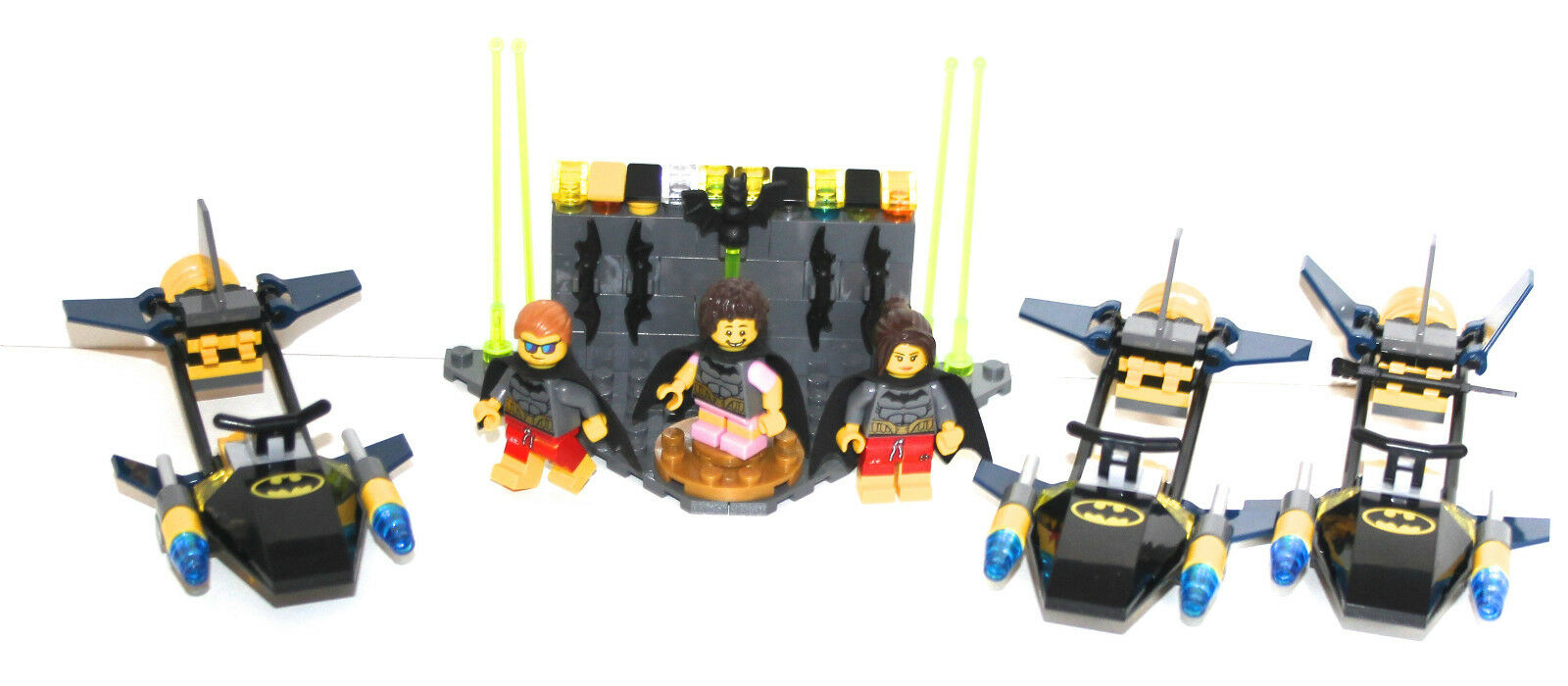LEGO PARTS only - BATMAN FAMILY - 3 minifigures + 3 speeders - as in the picture