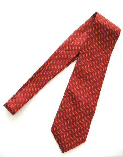 GUCCI TIE RED WAVY LINES ABSTRACT 100% SILK MADE I