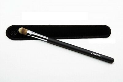 5e8436ad6e Chanel Les Pinceaux De Chanel Concealer Brush #10 - Brand New in Box  3145891370508 | eBay