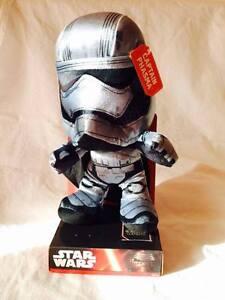Star-Wars-Pluschfigur-Captain-Phasma-Velboa-Samtplusch-25cm-Joy-Toy
