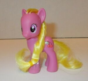 """My Little Pony Cherry Berry G4 Friendship Is Magic 3"""" Brushable"""