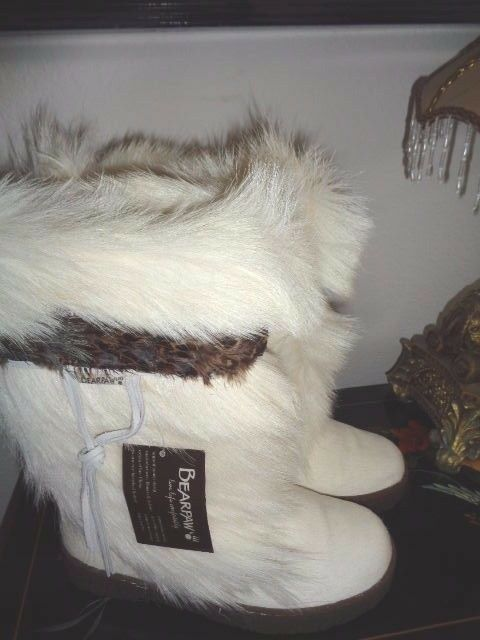 BEARPAW KOLA II Weiß GOAT FUR AND FEATHERS W/SHEEPSKIN BOX LINING 7M NEW NO BOX W/SHEEPSKIN 1bf482