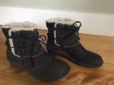 UGG Australia Women's Ultimate Short Brown Suede Classic Boots #F8008G, Sz 7