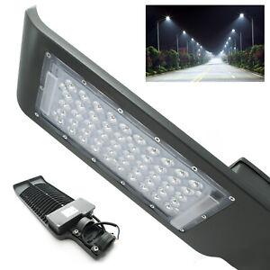 Faro-led-stradale-armatura-lampione-palo-parete-luce-industriale-esterno-ip65