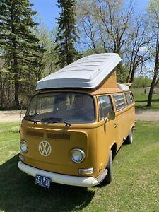 1972 Volkswagen Bus / Vanagon
