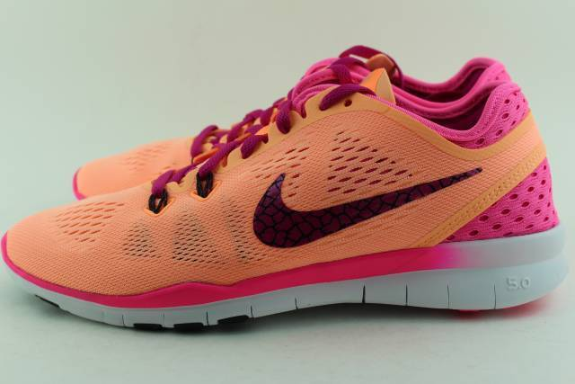 NIKE WOMAN FREE 5.0 TR FIT 5 BREATHE Size: 9.5 RUN NEW COMFORTABLE