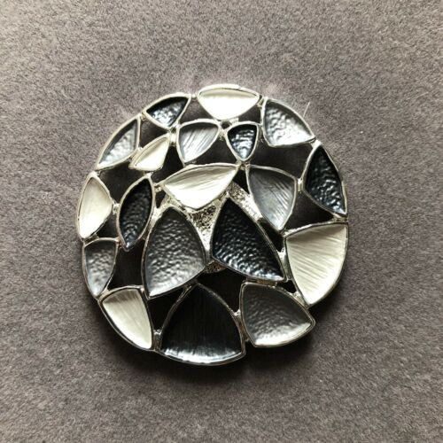 Magnetic Mosaic Brooch Scarf Metal Pin Clip Grey Shades /& Silver